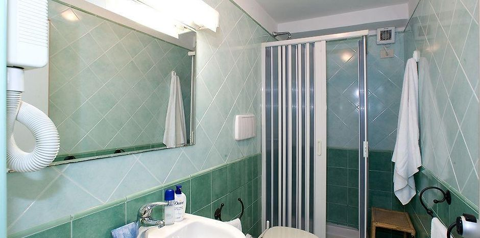 http://residence-le-terrazze.sorrento.hotels-in-it.com/data/Photos/940x466/1820/182072/182072463.JPEG